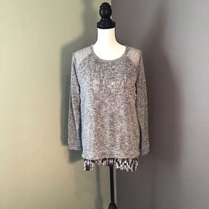 Knit Long Sleeve Top w/Split Back Detail size XL